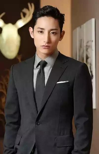 Lee-Soo-Hyuk-01